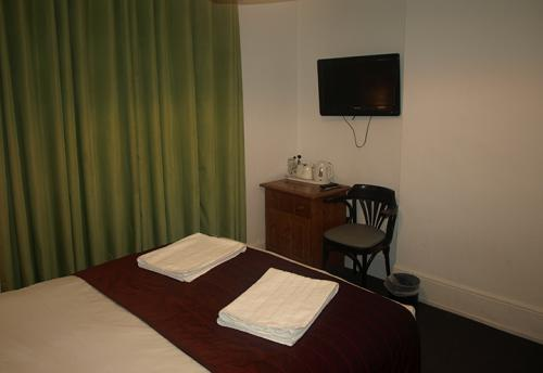 Standard-Double room-Private Bathroom