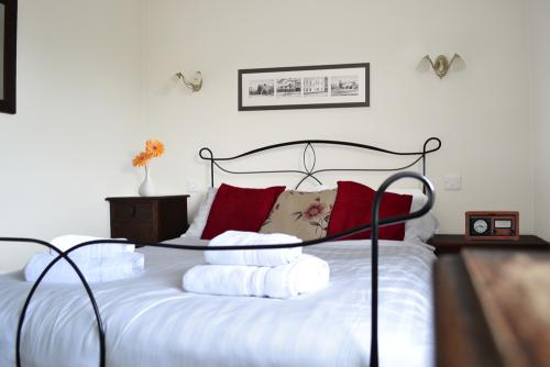 Double room-Standard-Ensuite with Shower-Countryside view-Double Room