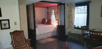 Quad room-Private Bathroom-Deluxe-Bunker Suite/Basement