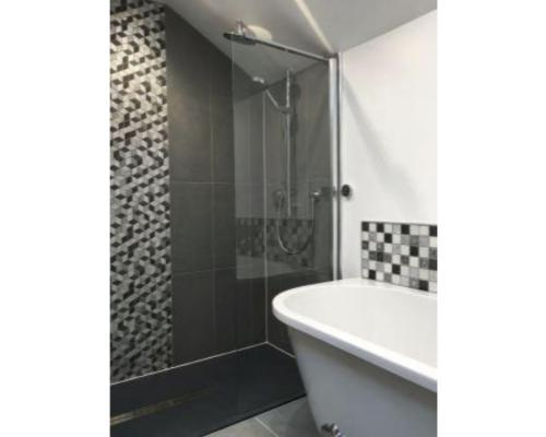 Cottage-Private Bathroom-River view - Base Rate