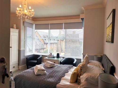 Superior-Double room-Ensuite with Shower-Partial sea view-double ensuite 2