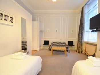 Amber Residence Hotel | Luxury Family Studio