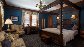 Oliver Perry Guest Room