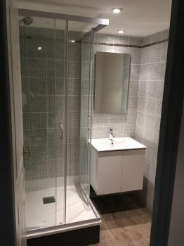 Salle de bains 2 rénovée