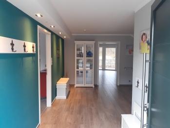 Ferienhaus-Familie-barrierefreies Badezimmer-Blick auf den Kanal-Haus Karola - MyWeb