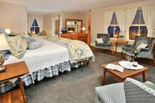 Victorian Room (King)-Ensuite-King-Superior