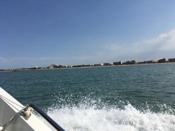Balade en bateau avec la vue de St Jean de Monts