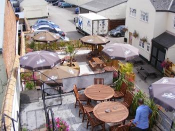 Harboro Hotel - Beer Garden