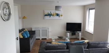 Higher Living - Southampton City Penthouse - Lounge