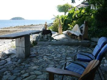 waterside deck of Starfish Retreat