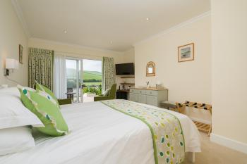 Suite-King-Ensuite with Shower-River view-Junior Suite - Base Rate