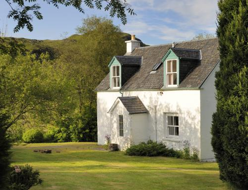 Cottage-Traditional-Ensuite-River view-Blaran - Base Rate