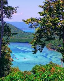 Lagon paradisiaque