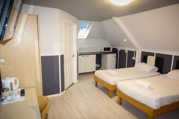 Studio-Ensuite-Triple Room
