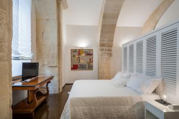 Matrimoniale-Grande-Bagno in camera con doccia-Vista sul punto di riferimento-Archi - Tariffa di base
