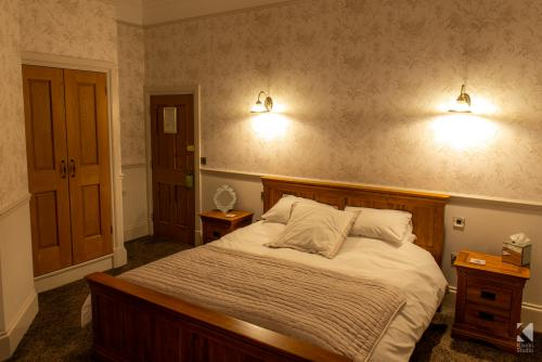 Double room-Ensuite with Shower-Kirkby