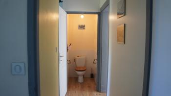 Couloir / toilet séparé