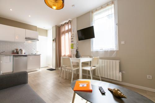 Appartement-Appartement-Salle de bain et douche-Terrasse