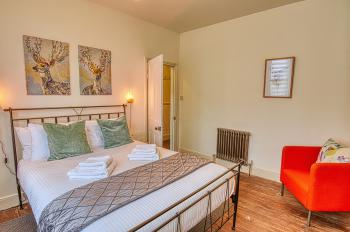 Freedom Stays Bath - Lorne House - Ground Floor King Bedroom