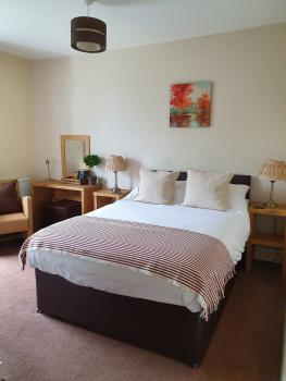 Classic-Double room-Ensuite with Shower-River view