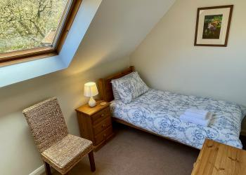 Bluebell Cottage single bedroom
