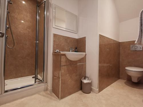 Double room-Ensuite with Shower-Sea View-Small Double - Base Rate