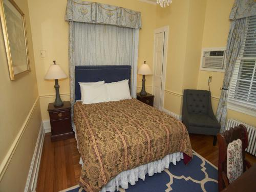 The Manor 114 Queen (no p-Double room-Ensuite-Standard - Base Rate