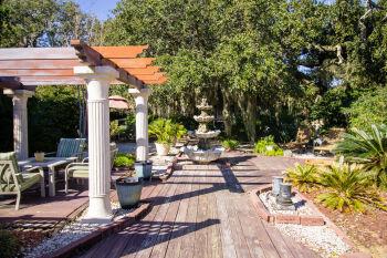 Front area garden