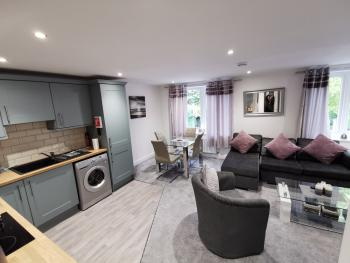 Gosforth Suite - Open Plan Living with Sofa Bed