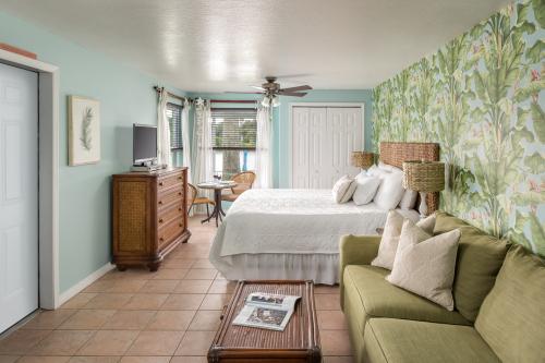 Suite-Ensutite-Premier-River view-Marigot Suite