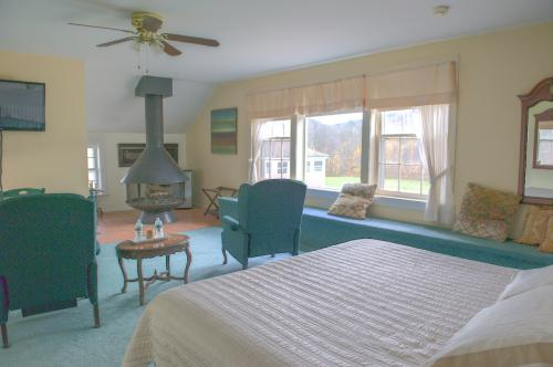 The Cottage -King size be-Cottage-Ensuite-Premium-Countryside view - Base Rate