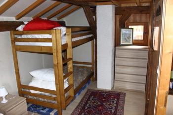 Chambre avec lit de 160 et lits superposés