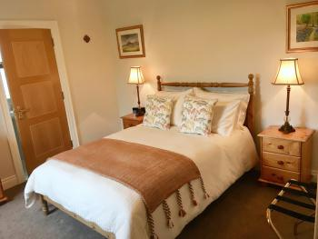 Double room-Superior-Ensuite with Shower-Mountain View-Binnian