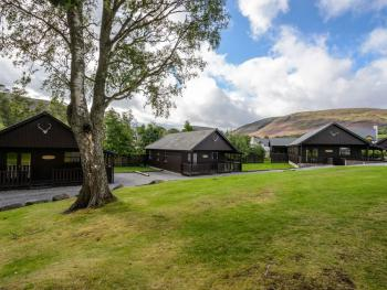 Braemar Lodge Cabins -