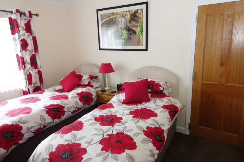 Twin room-Ensuite-Room 4 - Base Rate