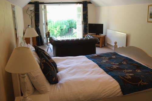 King Double with en suite, Room Only - Pet Friendly