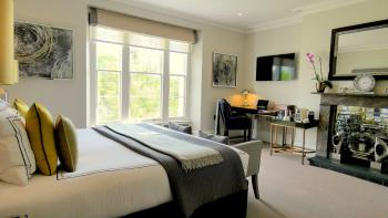 Tavistock House Hotel - Luxury Superking Room