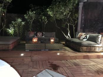 La terrasse la nuit