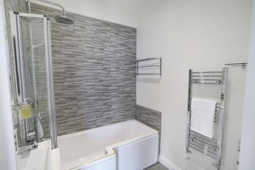 Double room-Deluxe-Ensuite with Bath-Room 2 - Double Room