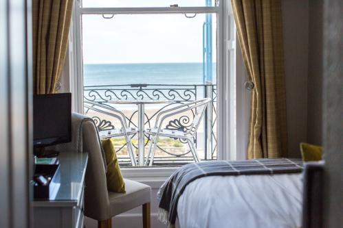 Single room-Premium-Ensuite with Shower-Sea View-Balcony