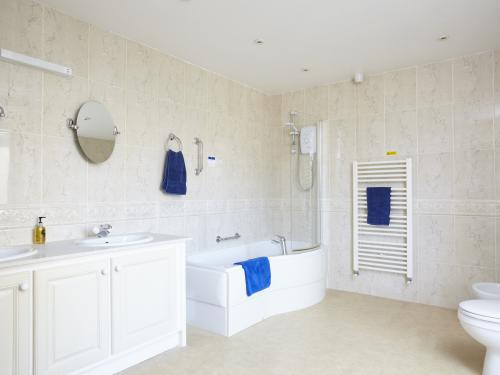 Double or Twin-Superior-Ensuite-Room 5