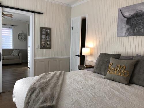 no.7-Appartement-Salle de bain et douche-Vue sur Rue - Tarif de base