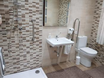 Self Catering Room - Accessibility Bathroom