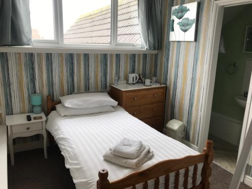 Single room-Classic-Ensuite with Shower