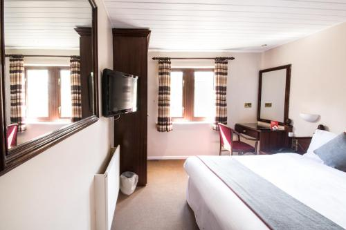 Double room-Club-Ensuite with Shower-Countryside view - Base Rate