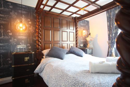 Pencarrow - Kingsize Four Poster - Ensuite