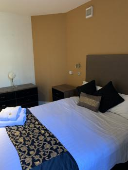 Double room-Family-Ensuite with Shower-Courtyard view-Room 3 - Base Rate