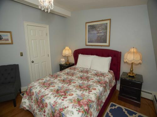 The Inn 10 Queen (no pets-Double room-Ensuite-Standard - Base Rate