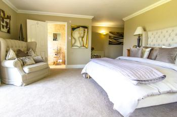 Beaconview-Double room-Deluxe-Ensuite with Shower-Countryside view - Base Rate