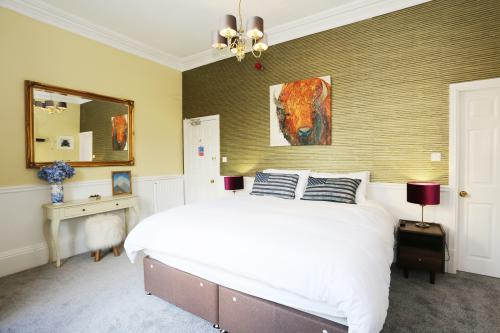 Double or Twin-Luxury-Ensuite with Shower-Landmark view-Ground Floor - Bed and Breakfast